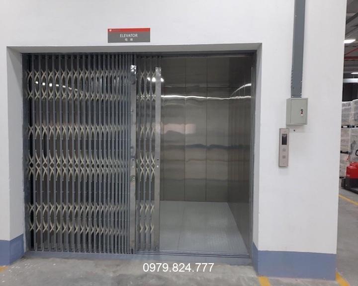 thang máy nâng hàng 1000kg