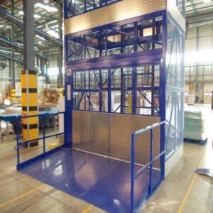 thang máy tải hàng 1500kg