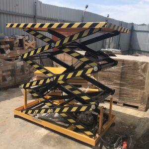 thang nâng hàng thuỷ lực 500kg